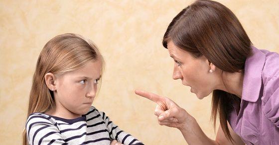 5 cách dạy con của cha mẹ đang vô tình hủy hoại con